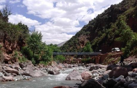 Río en el Valle de Ourika, Marruecos.