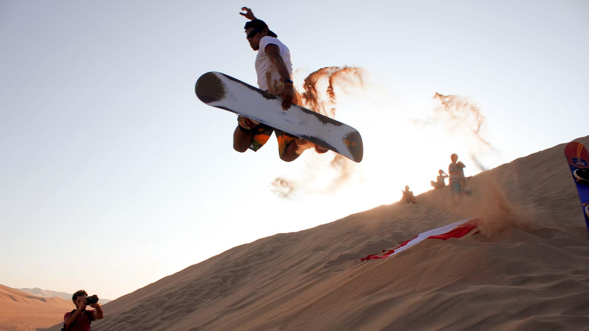actividades, deporte, snowboard en el desierto