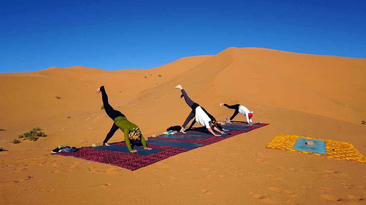 Yoga entre las dunas. Marruecos.
